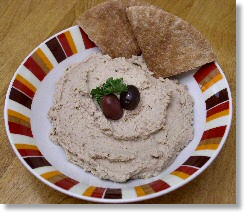 Walnut-Flaxseed Hummus